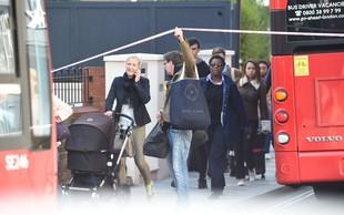 Svet obsoja incident na londonski postaji podzemne železnice!