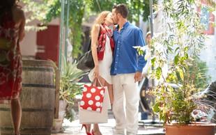 Raziskovalci razkrili: Zakaj se nekateri pari radi strastno poljubljajo v javnosti?