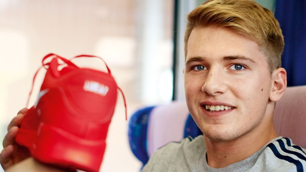 Superge Luke Dončića prodane za 30.000 evrov (foto: Goran Antley, arhiv)