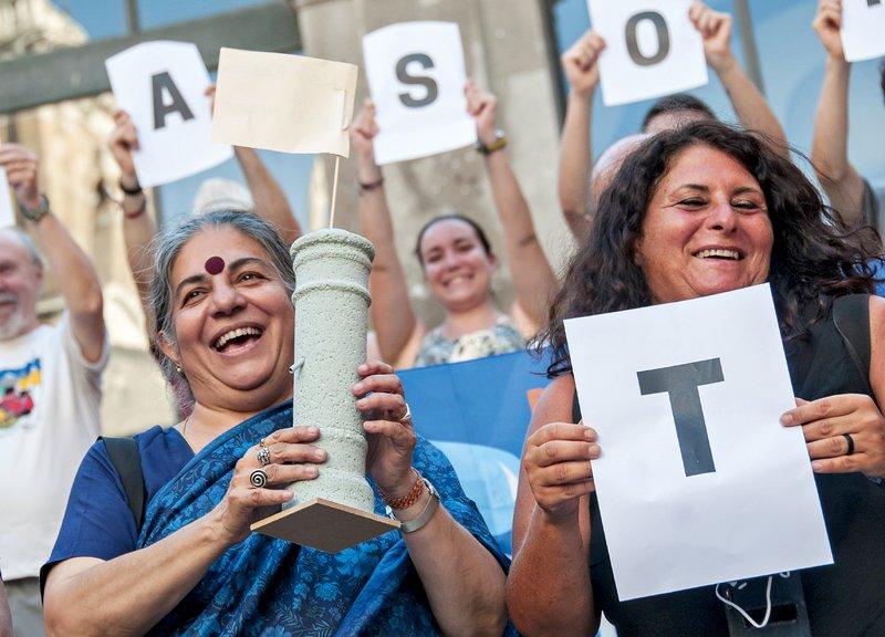 Vandana Shiva: Ne gensko spremenjenim semenom!