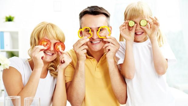 Poslušajmo svoje telo in jejmo z glavo! (foto: Shutterstock)