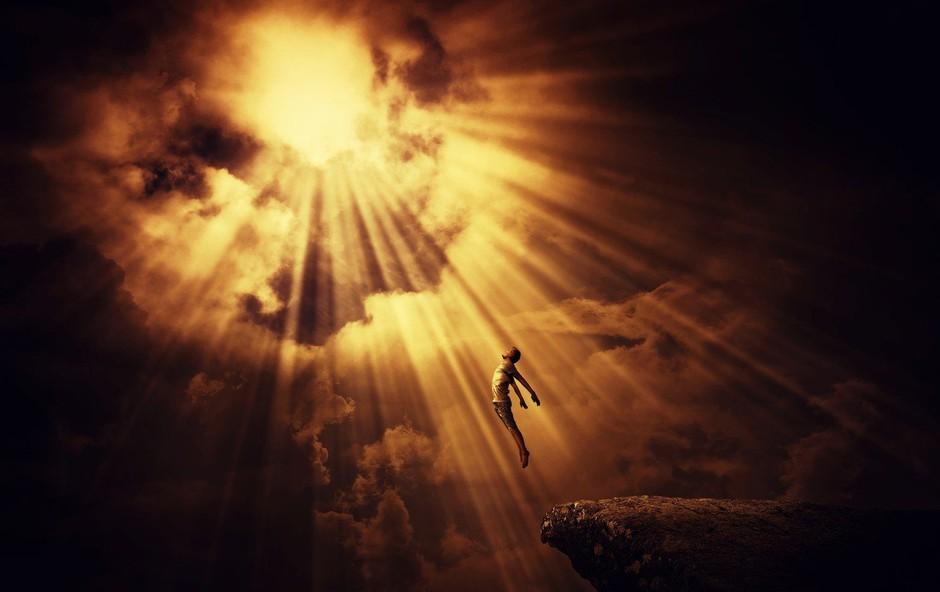 Adrian P. Kezele v Gospodarju smrti o človeku, ki ga je videl, pa se kljub temu vrnil in ostal isti! (foto: profimedia)