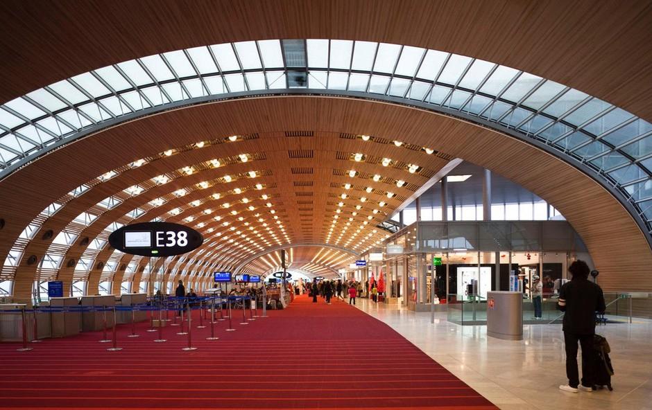 Air France uvedel novosti za potnike iz Slovenije na letališču Charles de Gaulle (foto: profimedia)