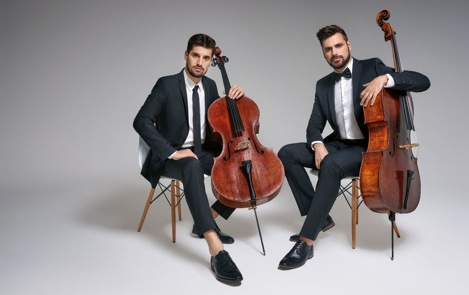 2CELLOS v novem videu 'Cinema Paradiso' gosti Oliverja Dragojevića (foto: 2Cellos Press)