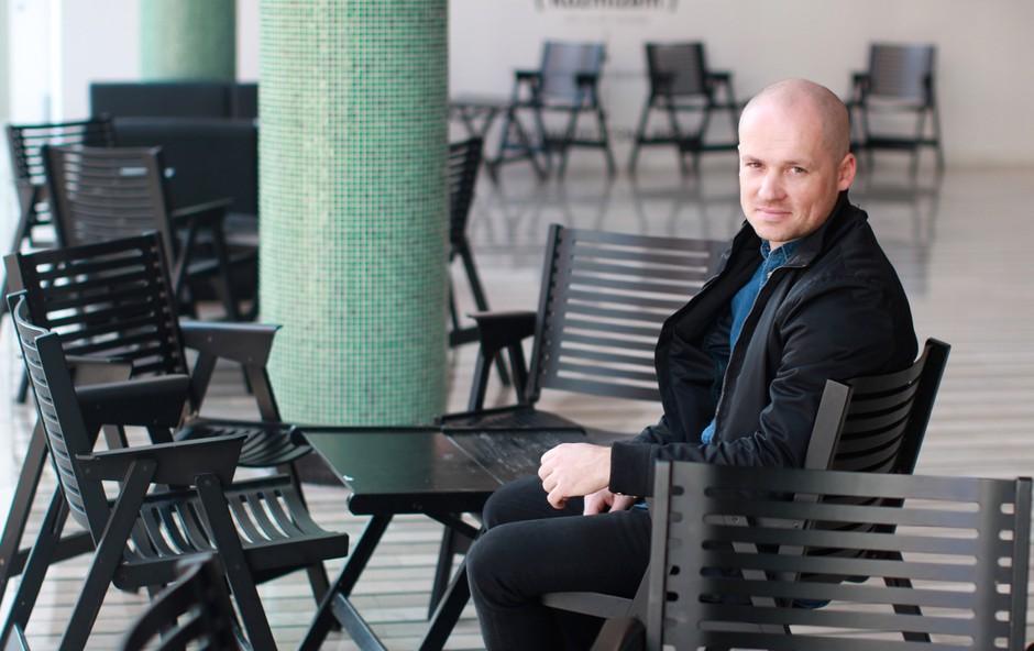 Jan Golja o projektu Slovenci v dnevnih sobah (foto: Goran Antley)