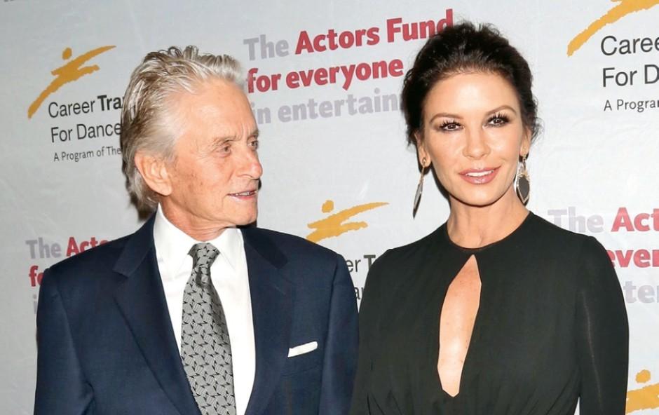 Michael Douglas in Catherine Zeta Jones - še vedno zaljubljena (foto: Profimedia)