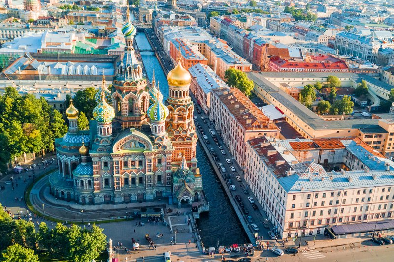 Sankt Peterburg –  čar belih noči