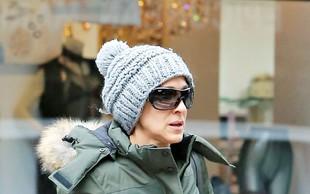 Zvezdniki proti hladnemu vremenu s kapicami na glavi