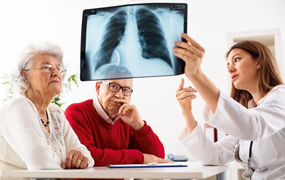 Suh kašelj je lahko znak za hudo bolezen (foto: Shutterstock)
