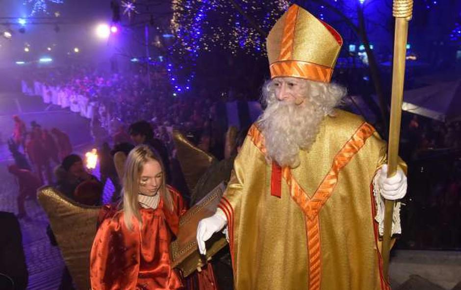 Otroci si bodo marsikje lahko Miklavža ogledali tudi v živo! (foto: Tamino Petelinšek/STA)