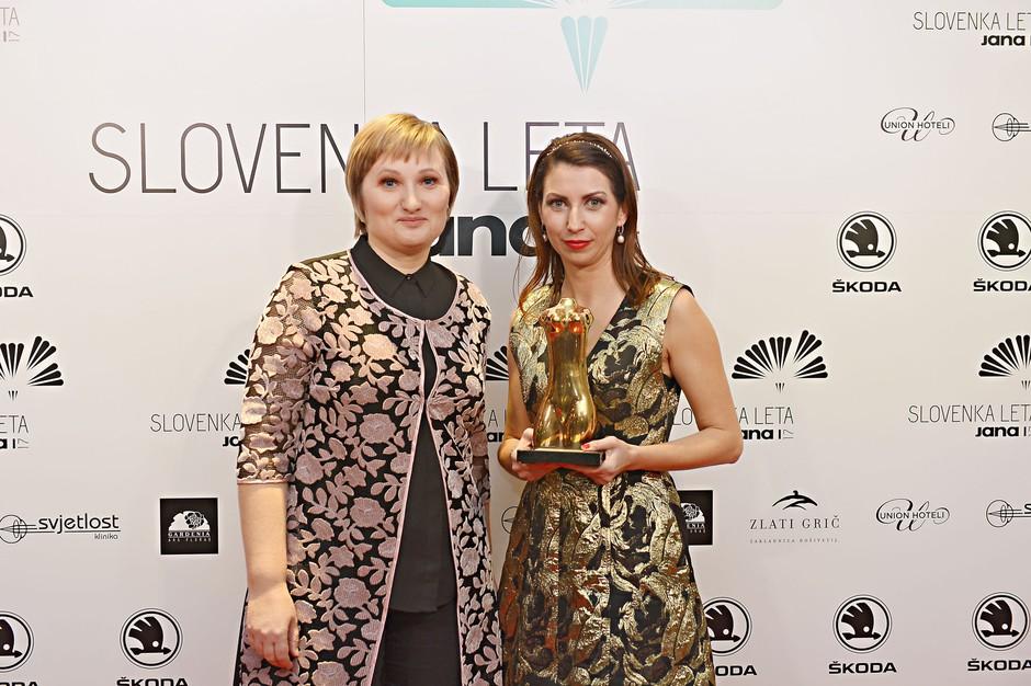 Urednica Jane Lidija Petek Malus in Slovenka leta 2017 Petra Greiner (foto: Primož Predalič)