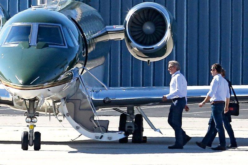 Po svetu kar z zasebnimi letali