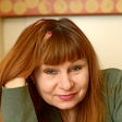 Violeta Tomić o zgodovini predstave Dekliščina