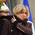 Poleg Rihanne na seznamu najbolje oblečenih žensk revije Vogue tudi prva dama Francije! (foto: profimedia)