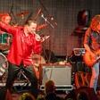 Glasbeni spektakel v čast Kralju rock'n'rolla zatresel Cvetličarno