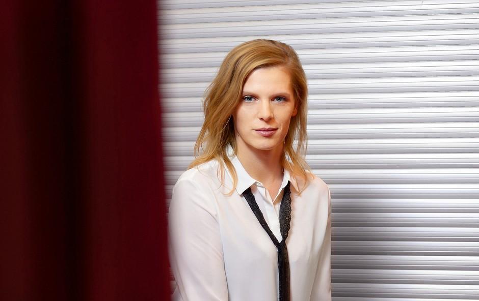 Maruša Majer, igralka: Orkani me bogatijo, ne rušijo (foto: Primož Predalič)