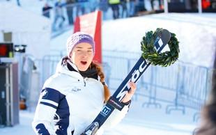 Tina Maze spet uživa na snegu