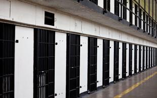 Kirstine Szifris: Zapornike sem učila filozofijo in vem, da to lahko izboljša kulturo v jetnišnicah