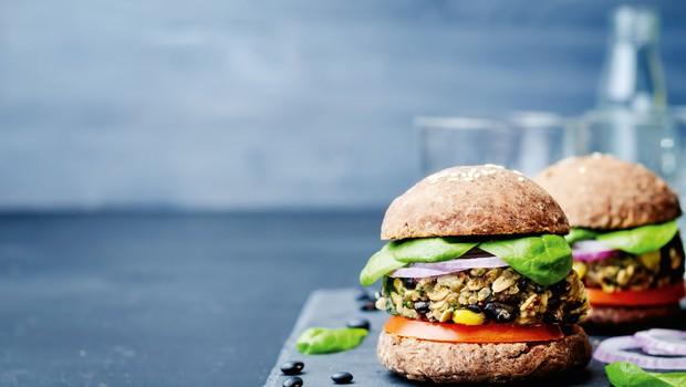 Resnične zgodbe: Kako je živeti kot vegan? (foto: Shutterstock)