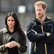 Princ Harry je močno potrt, ne ve več, kako bi zaščitil svojo Meghan
