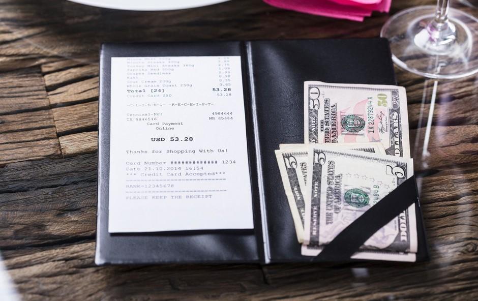 Mike, ki je bil na obisku iz Seattla, je osebje razveselil s kar 2000 dolarji napitnine! (foto: profimedia)