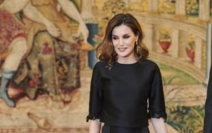 Kraljica Letizia se od te črne obleke nikakor ne želi ločiti