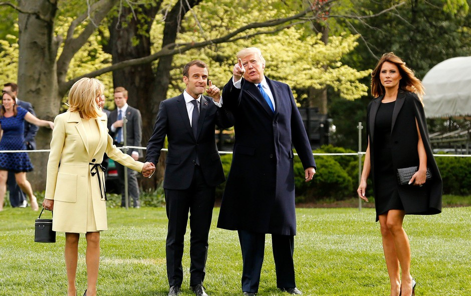 Melania Trump po travi lomila noge, Donald Trump pa tega ni niti opazil (foto: Profimedia)