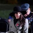 Meghan Markle bo že pred poroko s princem Harryjem dahnila usodni da