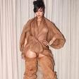 Rihanna pokazala strije in poraščene noge