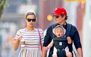Irina Shayk in Bradley Cooper sta se po mestu sprehodila s svojo malo princesko