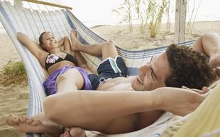 Milenijci naj bi zavračali seks - vsak osmi pri 26 letih še vedno devičnik