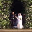 Harry in Meghan sta se na poroki na ganljiv način spomnila princese Diane
