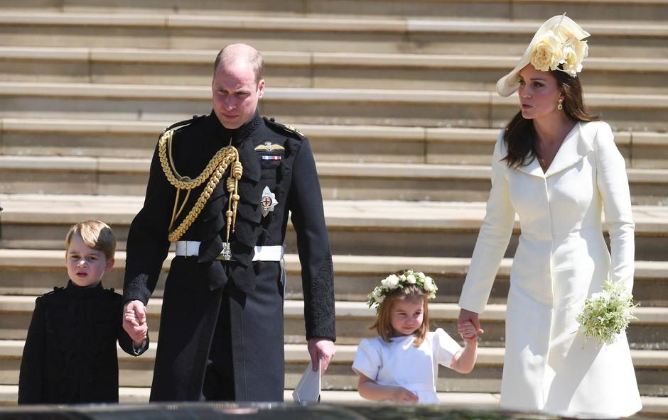 Poglejte si, kaj je princ William Kate Middleton podaril ob rojstvu malega princa (foto: Profimedia)