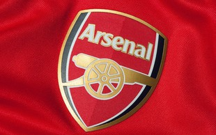Revna Ruanda pred kritiki brani svoje drago sponzorstvo v Arsenalu