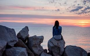 SRHLJIVO in ALARMANTNO: Sredozemsko morje vsebuje rekordno raven mikroplastike!