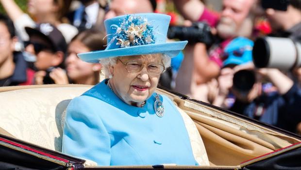 Kraljica Elizabeta II. bo v 93. letu nehala voziti po javnih cestah (foto: Profimedia)