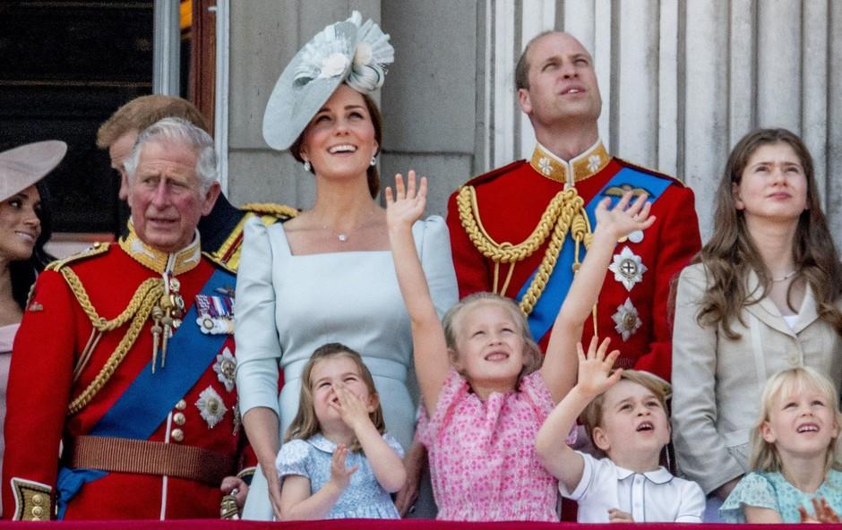 Zakaj princ William na kraljevi paradi ni sedel v kočiji s Kate Middleton? (foto: Profimedia)