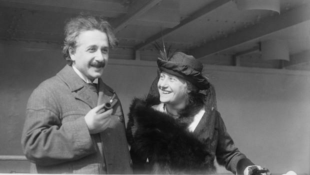 Einsteinovo pismo o bogu na dražbi prodano za 2,9 milijona dolarjev! (foto: profimedia)