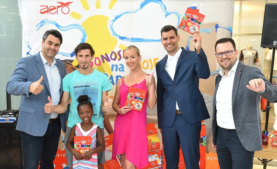 Dobrodelna akcija blagovne znamke Aero z Robertom in Piko Kranjec (foto: Aero Press)