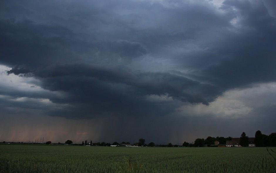 Pomurje: Močnejše nevihte povzročile težave (foto: Profimedia)