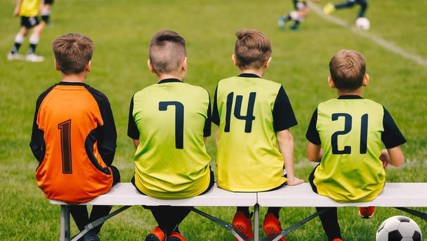Nogomet povzroča noge na O in kasnejše težave s koleni, kaže študija! (foto: profimedia)