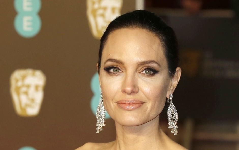 Angelina Jolie dobila vabilo na kraljevo poroko, a je tam nismo videli (foto: Profimedia)