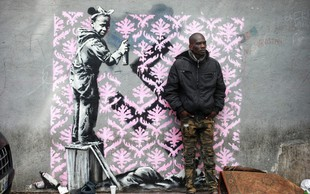 8 grafitov na temo beguncev, za katere pravijo, da jih je v Parizu čez noč naslikal Banksy!