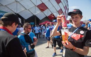Nogometni navijači izpraznili zaloge moskovskih pivnic! Na poti že 20 vlačilcev iz Avstrije!