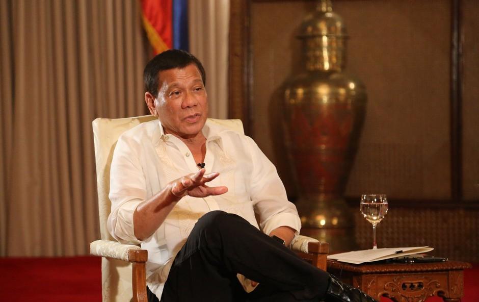 Rodrigo Duterte se je opravičil odpuščajočemu Bogu - a le njemu in nikomur drugemu! (foto: profimedia)