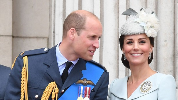 Princ William sredi uradne slovesnosti planil v smeh (foto: Profimedia)