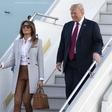 Melania Trump v Helsinkih raje nosila torbico kot držala roko Donalda Trumpa
