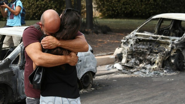 V Grčiji žalovanje za žrtvami požarov (foto: Profimedia)