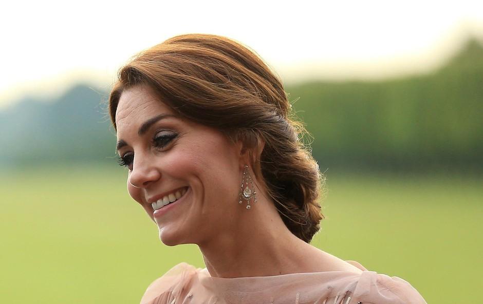 Princ Harry je pred zaroko z Meghan Markle za mnenje povprašal Kate Middleton (foto: Profimedia)