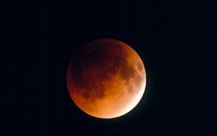 Pripravite se, v ponedeljek prihaja super krvava Luna!